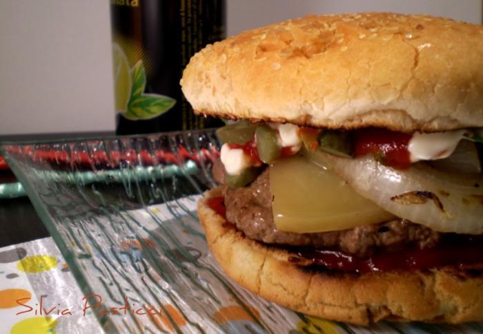 Hamburger con formaggio.