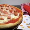 Pizza prosciutto e wurstel con trucchetto.